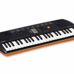 Casio SA-76 Mini Keyboard with Bag
